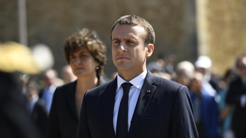 Francja głosuje. Dramatycznie niska frekwencja i szanse Macrona