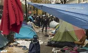 Apel o pomoc z migrantami: Paryż nie jest w stanie przyjmować całej nędzy świata