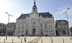 Francja: władze jednego z miast sprzedają mieszkania za 1 euro