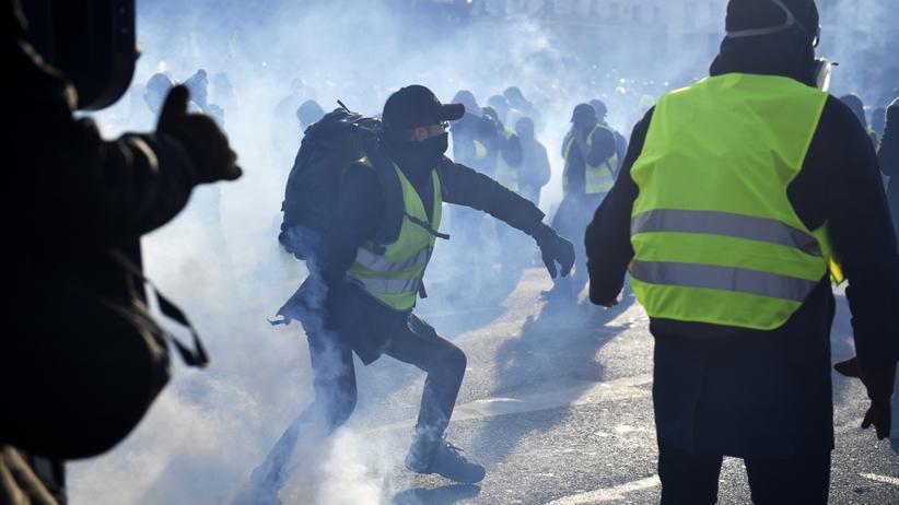 """""""Żółte kamizelki"""" znów na ulicach. Szokujący bilans po trzech miesiącach protestów"""