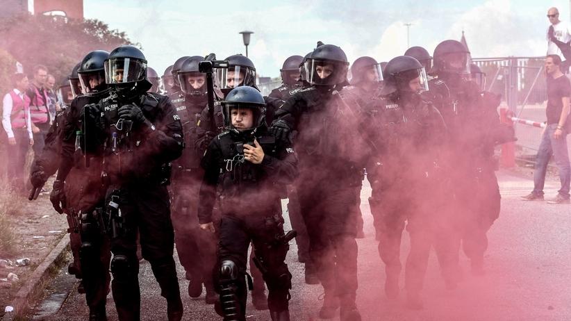 Bilans zamieszek w Hamburgu: prawie 500 policjantów rannych