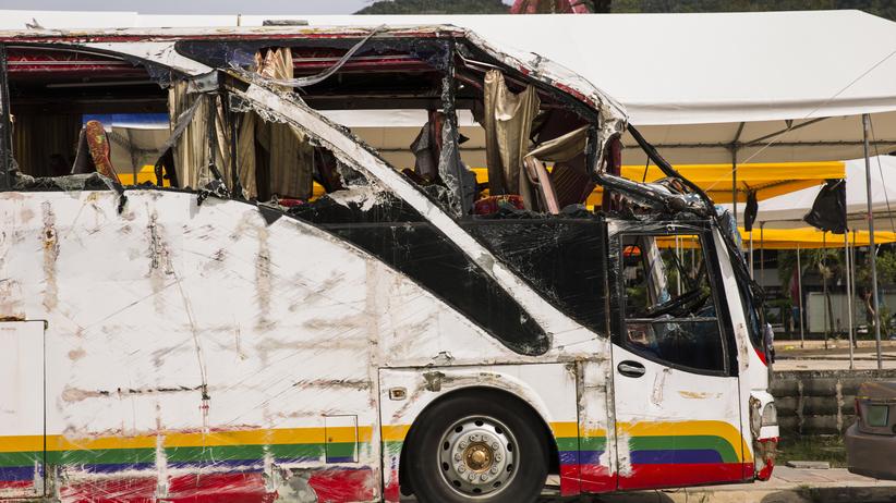 Dramatyczny wypadek. Zderzyły się autobusy, kilkadziesiąt osób nie żyje