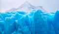 Gigantyczna góra lodowa zaczyna sięrozpadać na kawałki