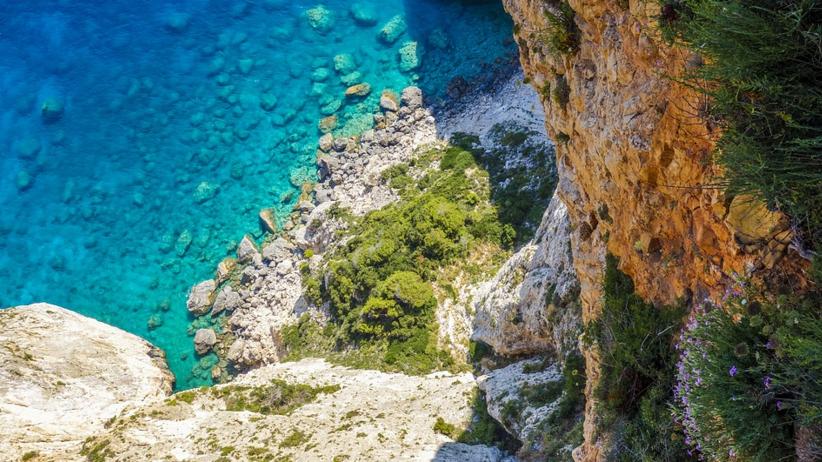 Grecki kurort zakazuje przyjazdu Brytyjczykom. Odwołano już10 tys. rezerwacji