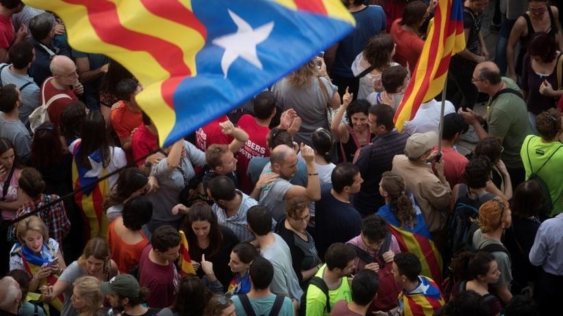 Hiszpania: Premier rozwiązał parlament Katalonii. Prokuratura zajmie się przywódcami