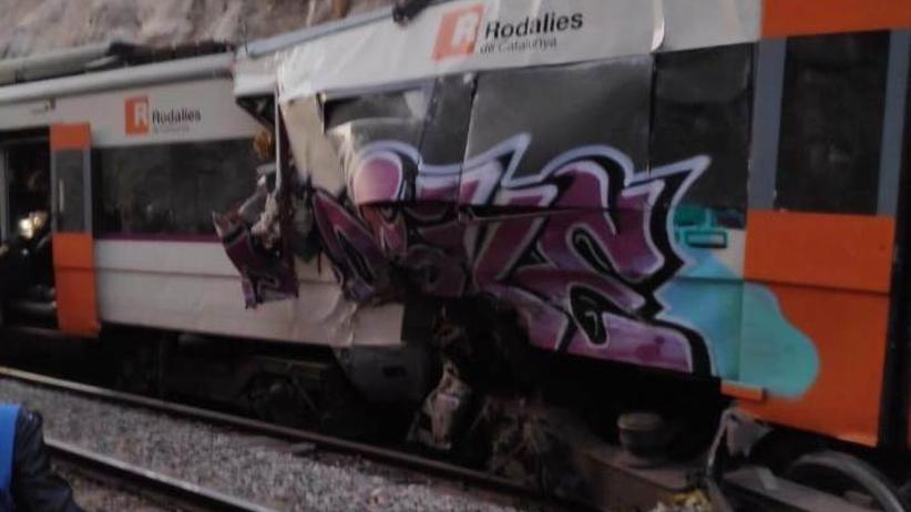 Czołowe zderzenie pociągów koło Barcelony. 1 zabity, dziesiątki rannych