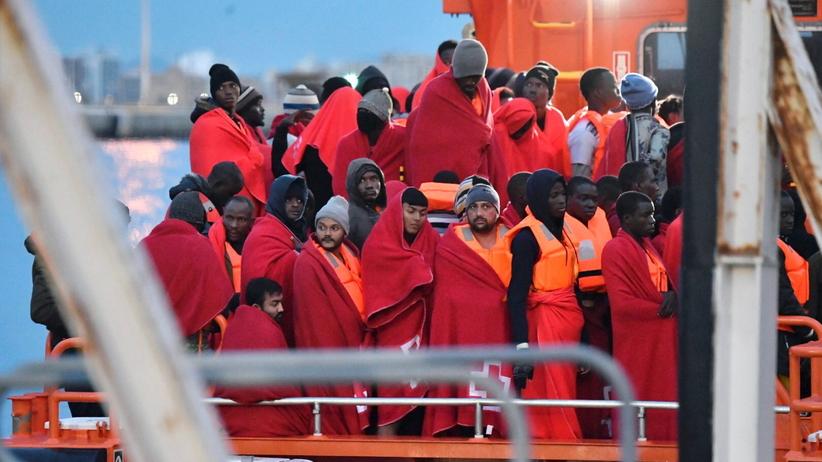 Hiszpania. Setki imigrantów uratowanych na Morzu Śródziemnym