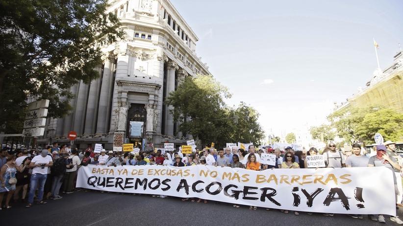 Wielka manifestacja w Madrycie. Hiszpanie chcą przyjąć uchodźców