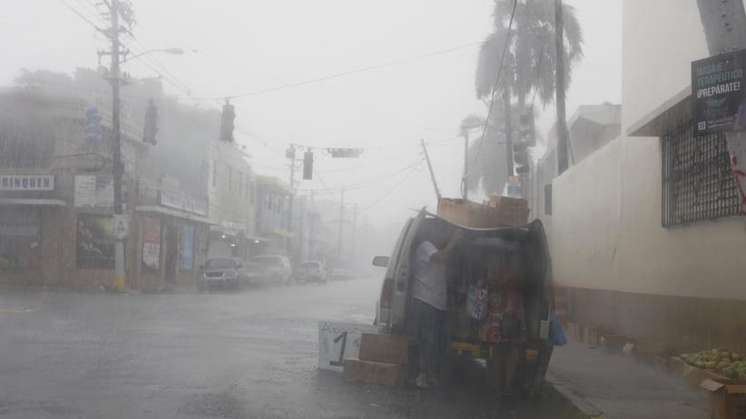 Huragan Irma uderzył w Karaiby. Są ofiary śmiertelne. Zmierza do Florydy