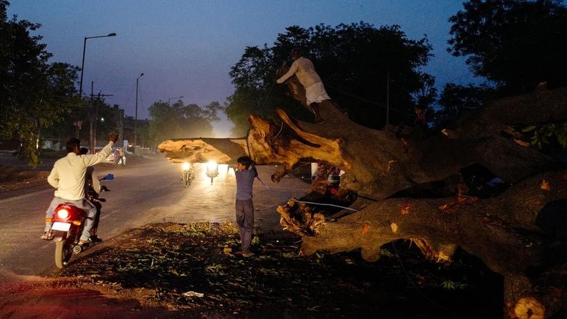 Burze piaskowe w Indiach. Ponad sto osób nie żyje [FOTO]