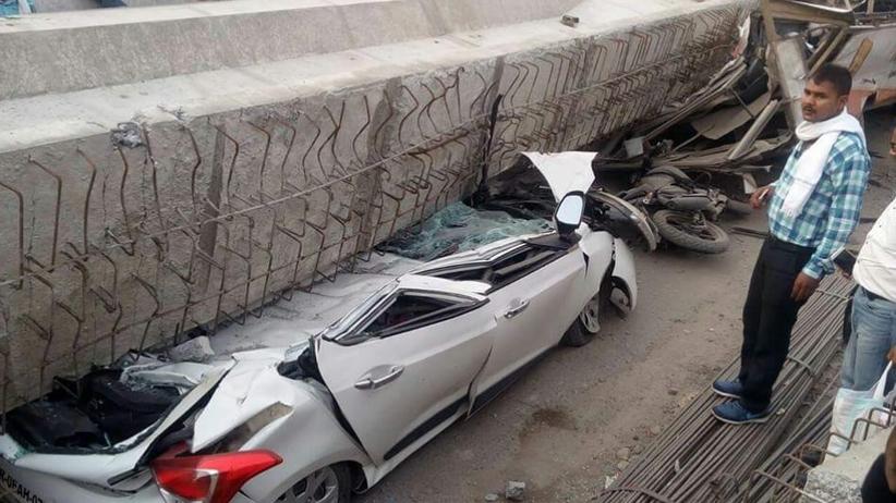 Indie: wiadukt zawalił się na przechodniów i samochody. Nie żyje 19 osób