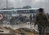 Zamachowiec samobójca wysadził się w autobusie w Kaszmirze. Co najmniej 30 ofiar
