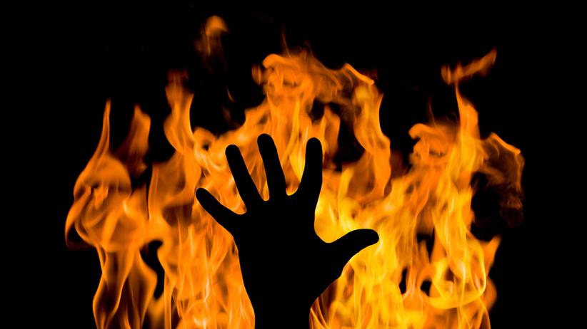 Zgwałcił i podpalił swoją ofiarę. Kobieta dokonała brutalnej zemsty
