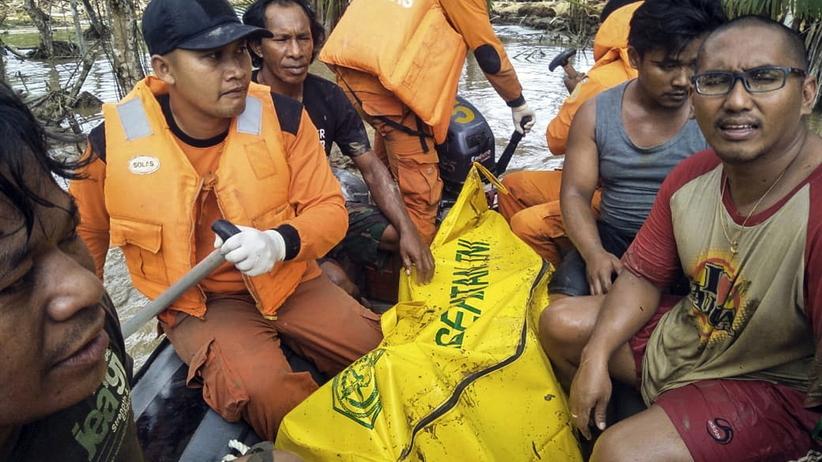 Tragiczny bilans powodzi w Indonezji. Zginęło co najmniej 50 osób