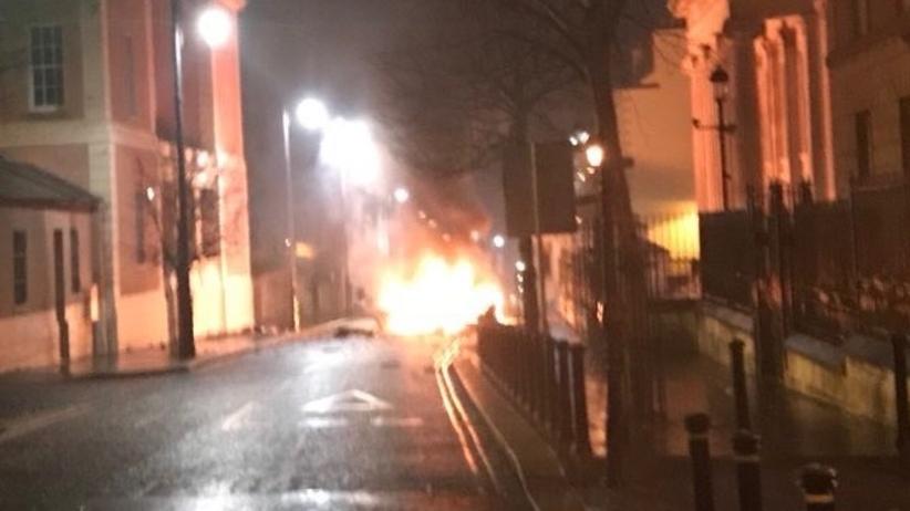Wybuch samochodu pułapki w Irlandii Północnej. Nikt nie ucierpiał