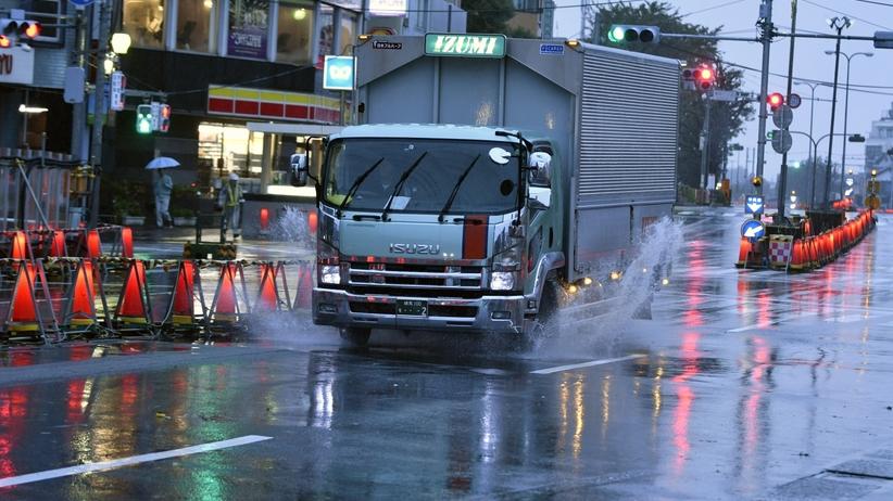 Japonia. Tajfun Lan przeszedł nad rejonem Tokio