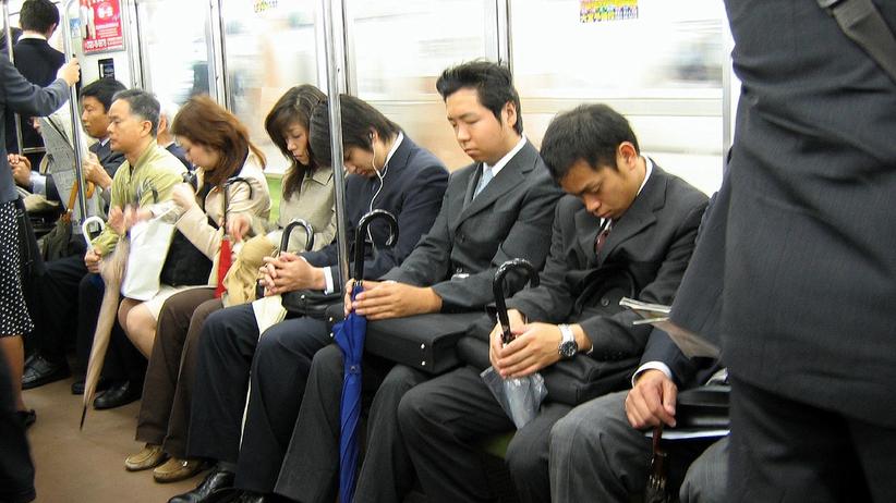 Tłoczno w metrze? Władze Tokio mają na to sposób