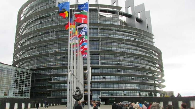 To ostateczny absurd Unii Europejskiej. Posłowie nie mają dostępu do maili, bo dział IT wyjechał na urlop
