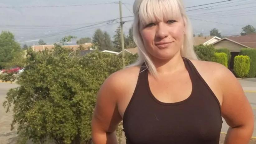 25-latka nie nosiła w pracy stanika. Została zwolniona