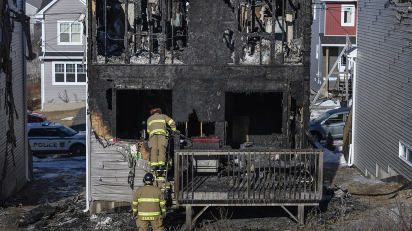 Spłonął dom syryjskich uchodźców. Siedmioro dzieci zginęło na oczach rodziców [WIDEO]