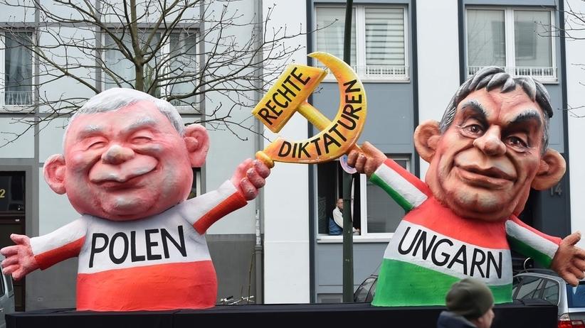 Kaczyński z sierpem i młotem. Taką kukłę Niemcy pokazali w Düsseldorfie
