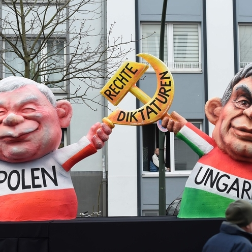 Kaczyński z sierpem i młotem w Dusseldorfie