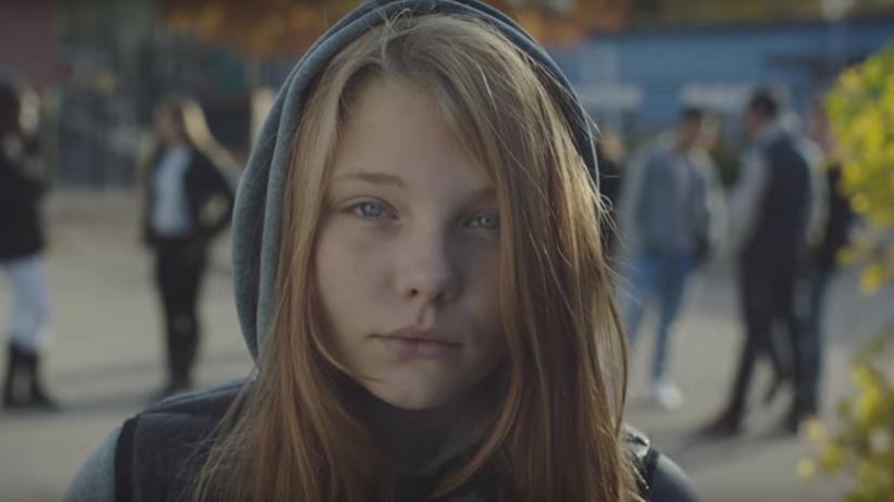 Ta kampania społeczna wciąż podbija internet: tato wiesz, że będą mnie nazywać dziwką
