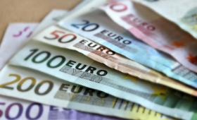 Komisja Europejska chce do 2025 roku wprowadzić euro we wszystkich krajach Unii
