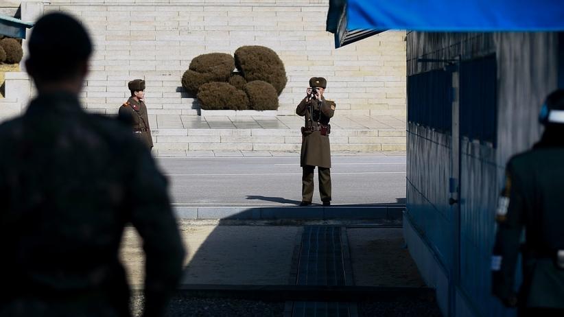 Brawurowa ucieczka żołnierza z Korei Północnej. Padło kilkadziesiąt strzałów