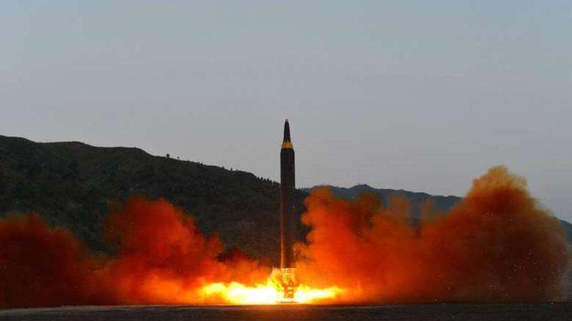 Korea Północna wystrzeliła trzy pociski w kierunku Japonii