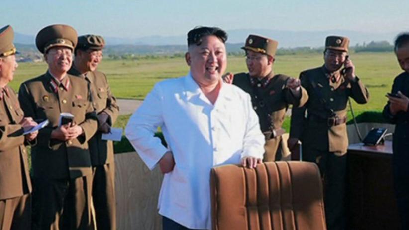 Kim Dzong Un: lotnictwo ma być w gotowości do ataku na amerykańskie lotniskowce
