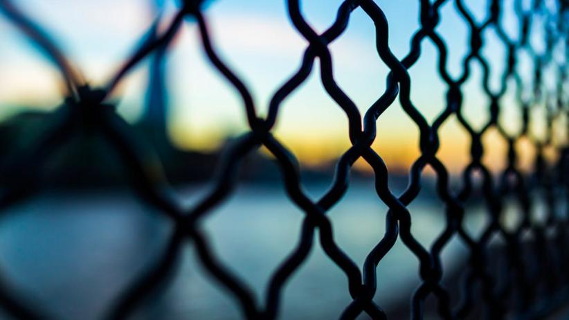 Kraje bałtyckie stawiają ogrodzenie na granicy z Rosją. Ruszyła budowa