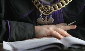 Muzyk KOD-Kapeli skazany za handel kobietami aresztowany na 3 miesiące