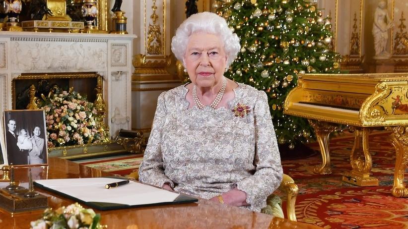 Królowa Elżbieta II w świątecznym orędziu żartowała i mówiła o ślubach wnuków