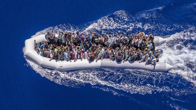 Libijska straż przybrzeżna ostrzelała i zawróciła łódź z imigrantami
