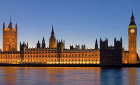 Mężczyzna aresztowany przed londyńskim parlamentem. Miał mieć nóż