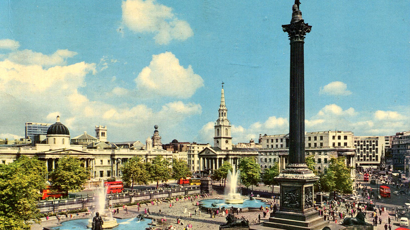 Poruszenie na Trafalgar Square. Znaleziono tajemniczy pakunek