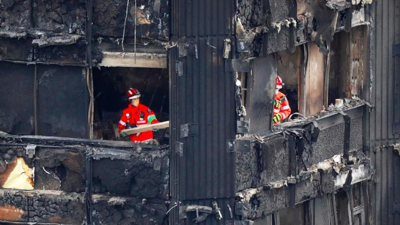 Makabryczne odkrycie strażaków w Londynie: 42 zwęglone ciała ściśnięte w jednym pokoju