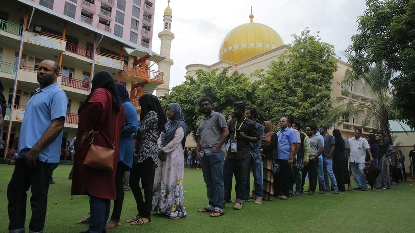 Malediwy. Wybory prezydenckie i prześladowania opozycji