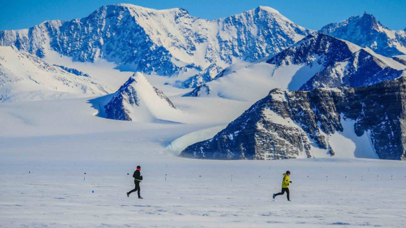 Uczestnicy maratonu opuścili Antarktydę. Polak dotarł do Chile