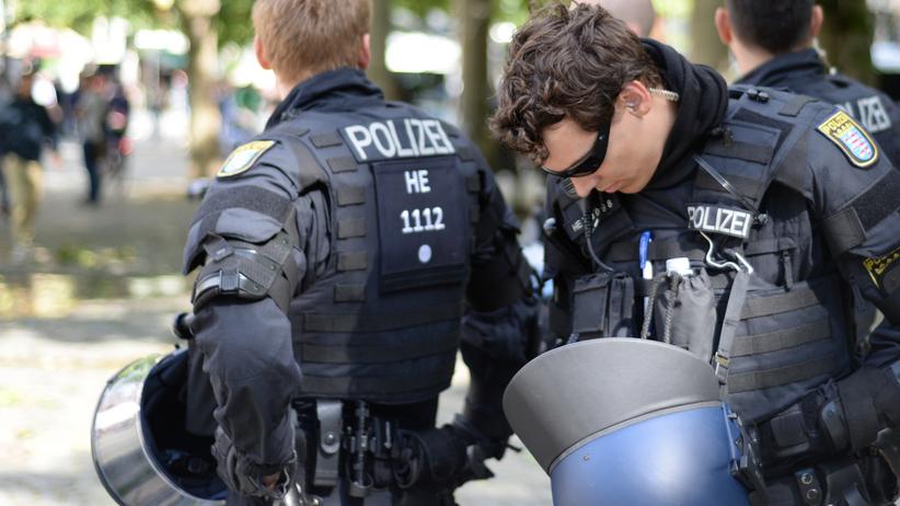 """Frankfurt: Doniesienia o masowym molestowaniu w Sylwestra nieprawdziwe. """"Bild"""" przeprasza"""