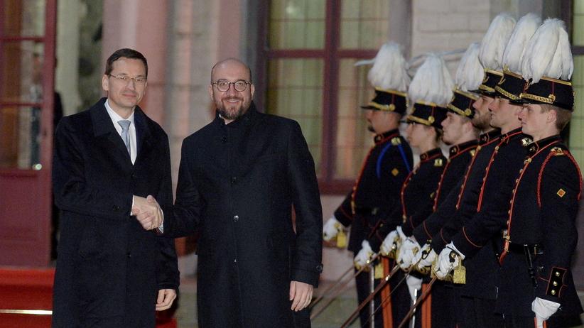 Morawiecki w Brukseli. Kolacja i spotkanie z Fransem Timmermansem