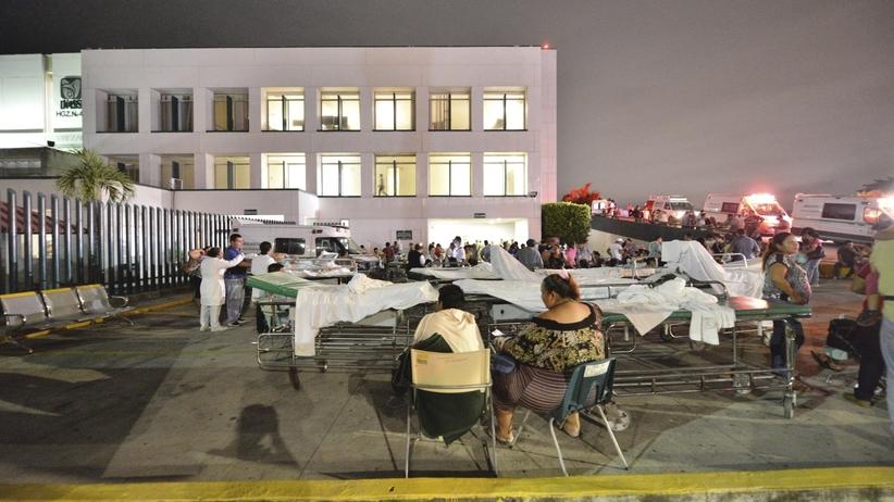 Silne trzęsienie ziemi w Meksyku. Ludzie uciekali z budynków