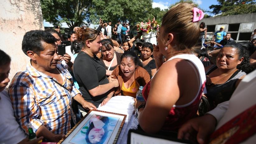 Gwatemala: sprzeciw wobec przemocy seksualnej zakończony pożarem. 39 dziewczynek nie żyje