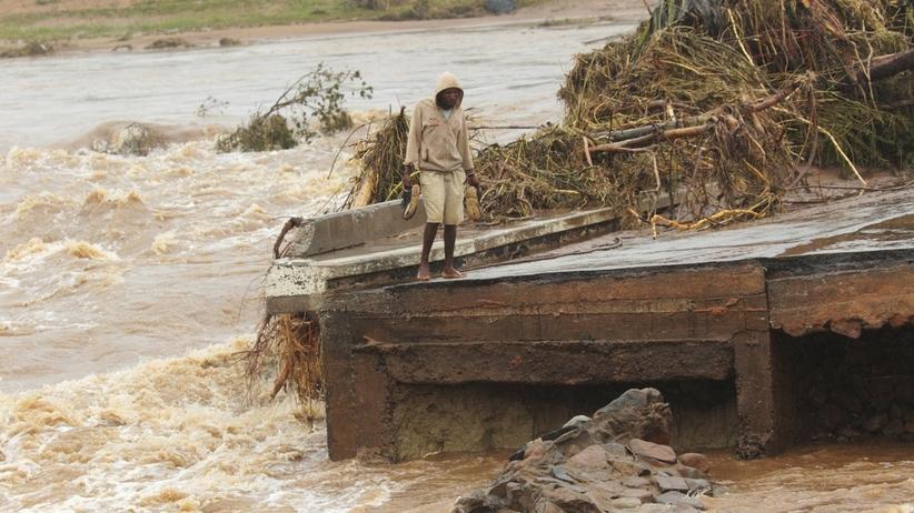 Śmiertelny żywioł w Mozambiku i Zimbabwe. Nawet TYSIĄC osób mogło zginąć po przejściu cyklonu Idai [ZDJĘCIA]