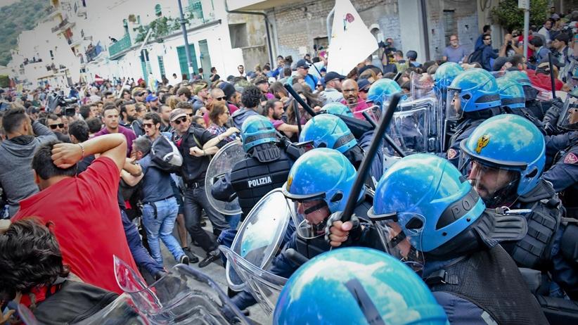 Na Sycylii protestujący przeciwko szczytowi G7 starli się z policją