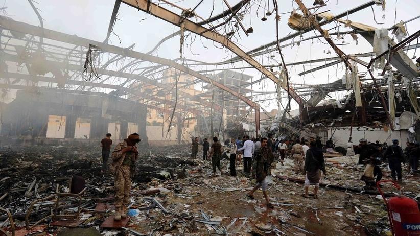 Nalot bombowy na hotel. 35 osób nie żyje, głównie cywile