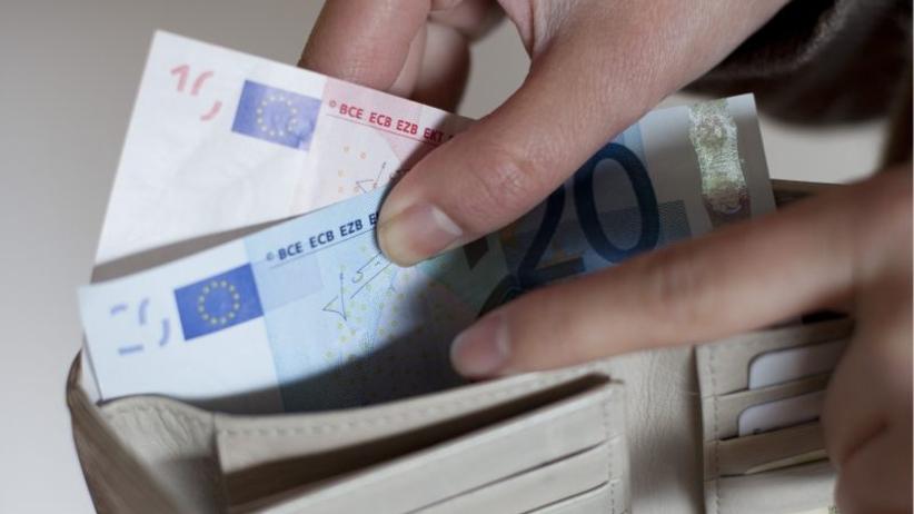 Pokaz uczciwości w Niemczech: znalazła 26 tys. euro i oddała policji