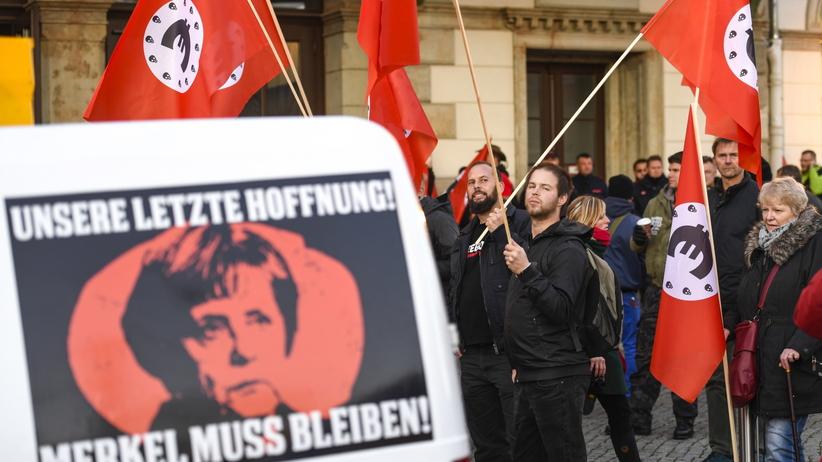 Niemcy. Protesty przeciwko wizycie kanclerz Angeli Merkel w Chemnitz