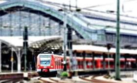 Niemcy: Mężczyzna przejechał na zewnątrz pociągu 25 km. W środku miał bagaż